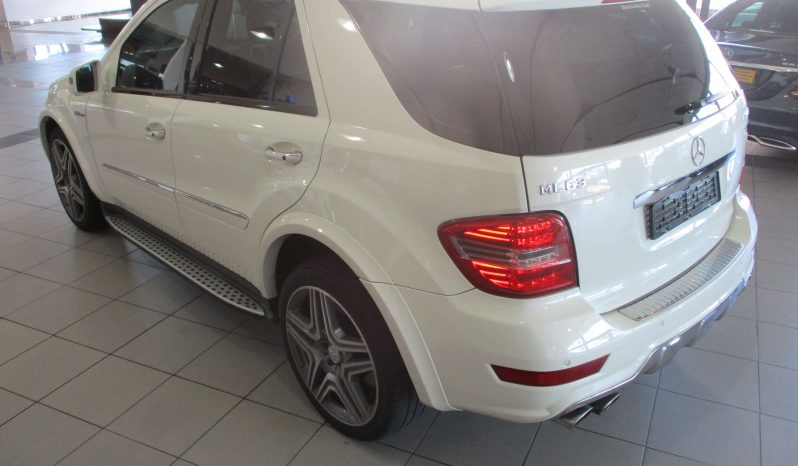 Mercedes-Benz ML 63 AMG full